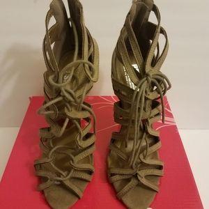 Olive high heels sandals